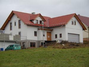 Holzrahmenbau mit integrierter Garage