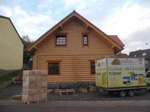 Beispiel Blockhaus, Dachstuhl mit STEICO-zell gedämmt