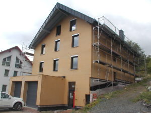 Beispiel Holzrahmenhaus mit STEICO-zell gedämmt